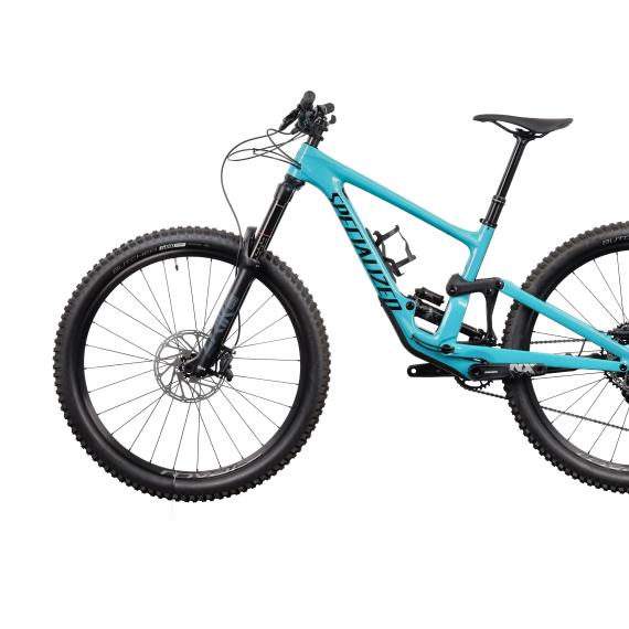 blue bike - packshot